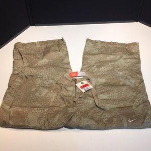 🔴 Nike brown and tan Capri size L (12-14)